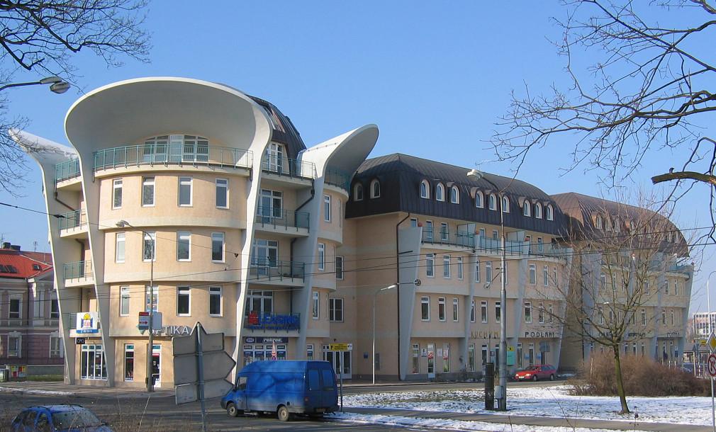 Ušatý dům Wellnerova Olomouc 01